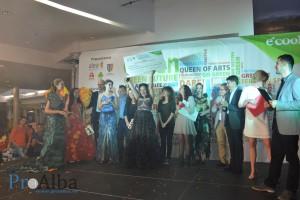 green fashion show 384