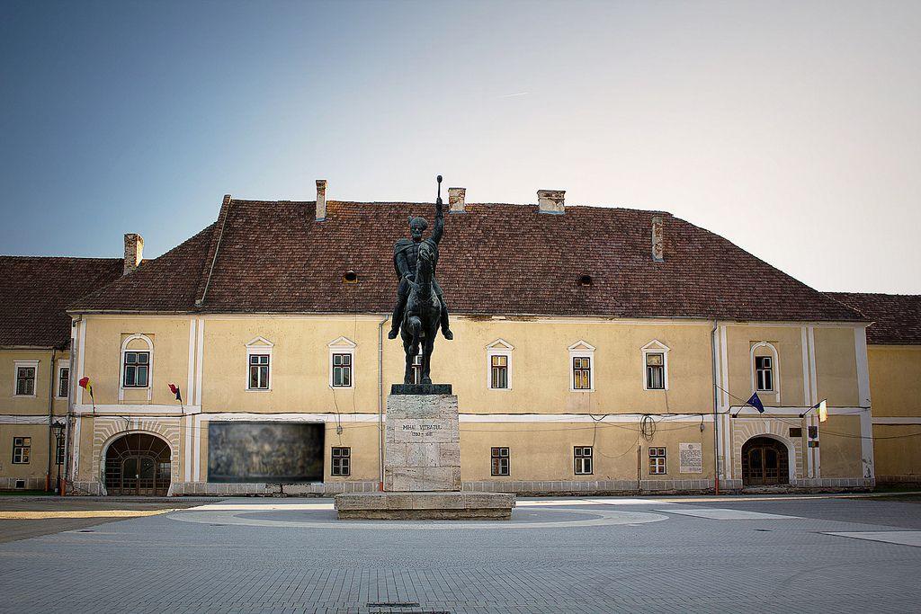 Alba Iulia: Cinci oferte pentru lucrările de restaurare a corpului principal al Palatului Principilor