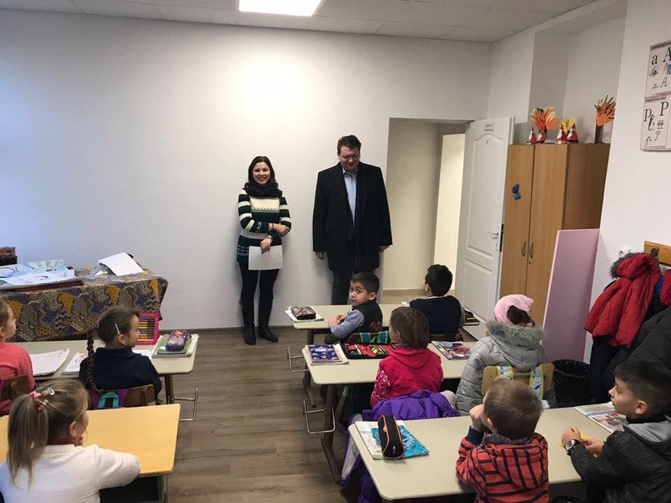 69 de copii învață într-o locație nouă, la Răhău. Spațiu amenajat și dotat adecvat pentru activitățile școlare