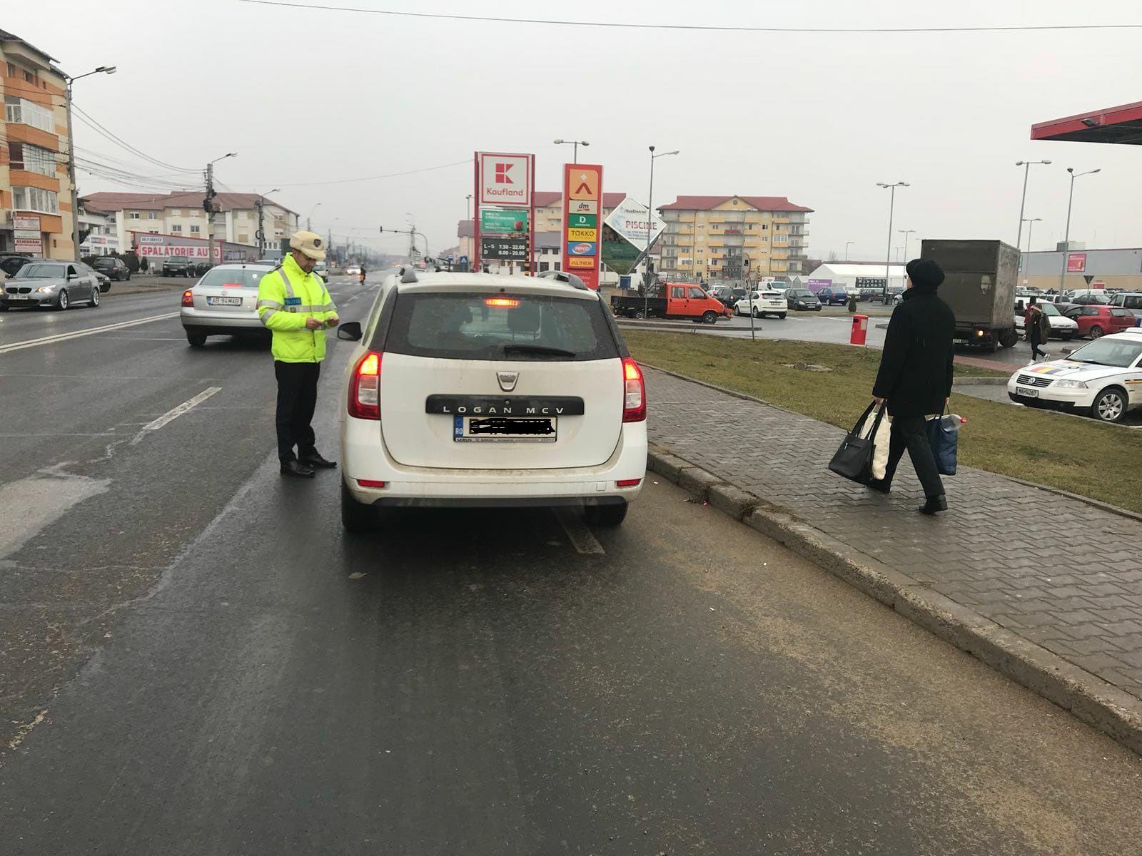4 zile cu ghinion pentru sute de participanți la trafic din Alba. Oamenii au scos din buzunare aproape 160.000 de lei