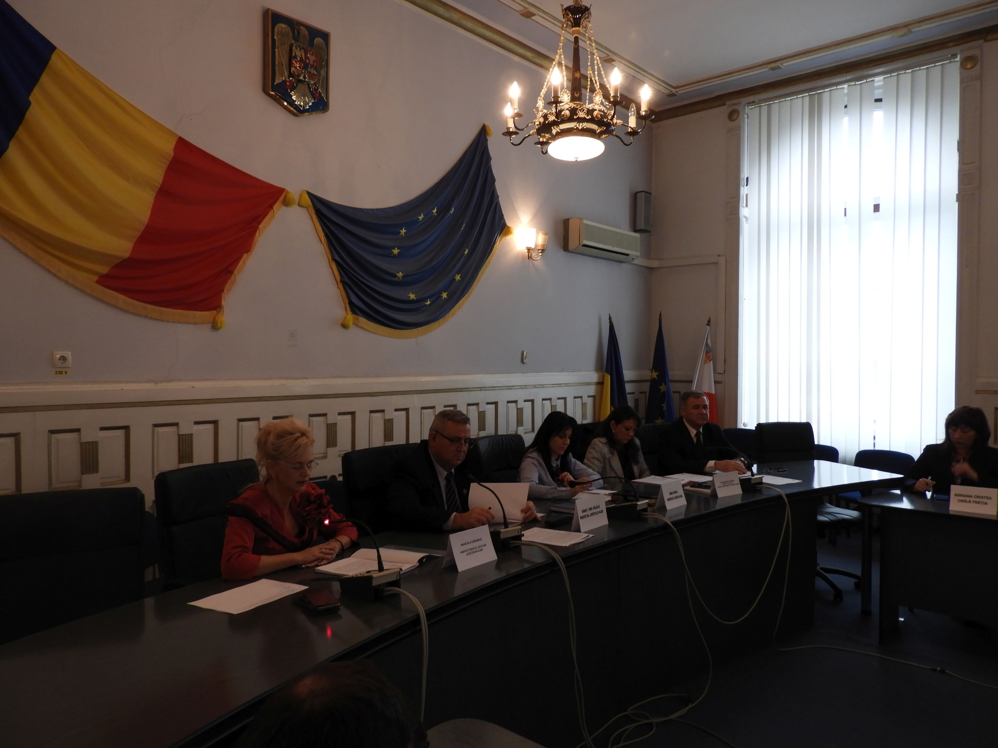 Instituția Prefectului Alba: Comasarea unităților școlare, dezbătută în cadrul Comisiei de Dialog Social