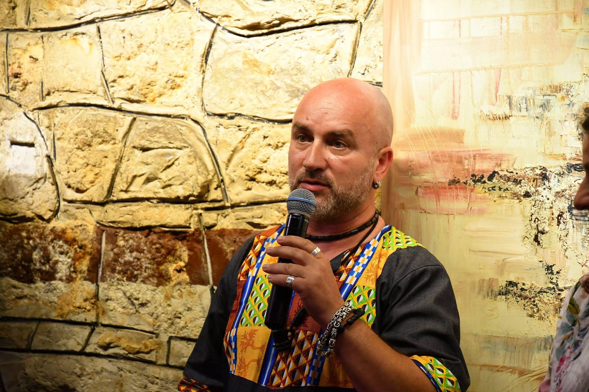 La mulți ani, Ștefan Balog! Artistul aiudean a sărbătorit momentul printr-o amplă și reprezentativă expoziție