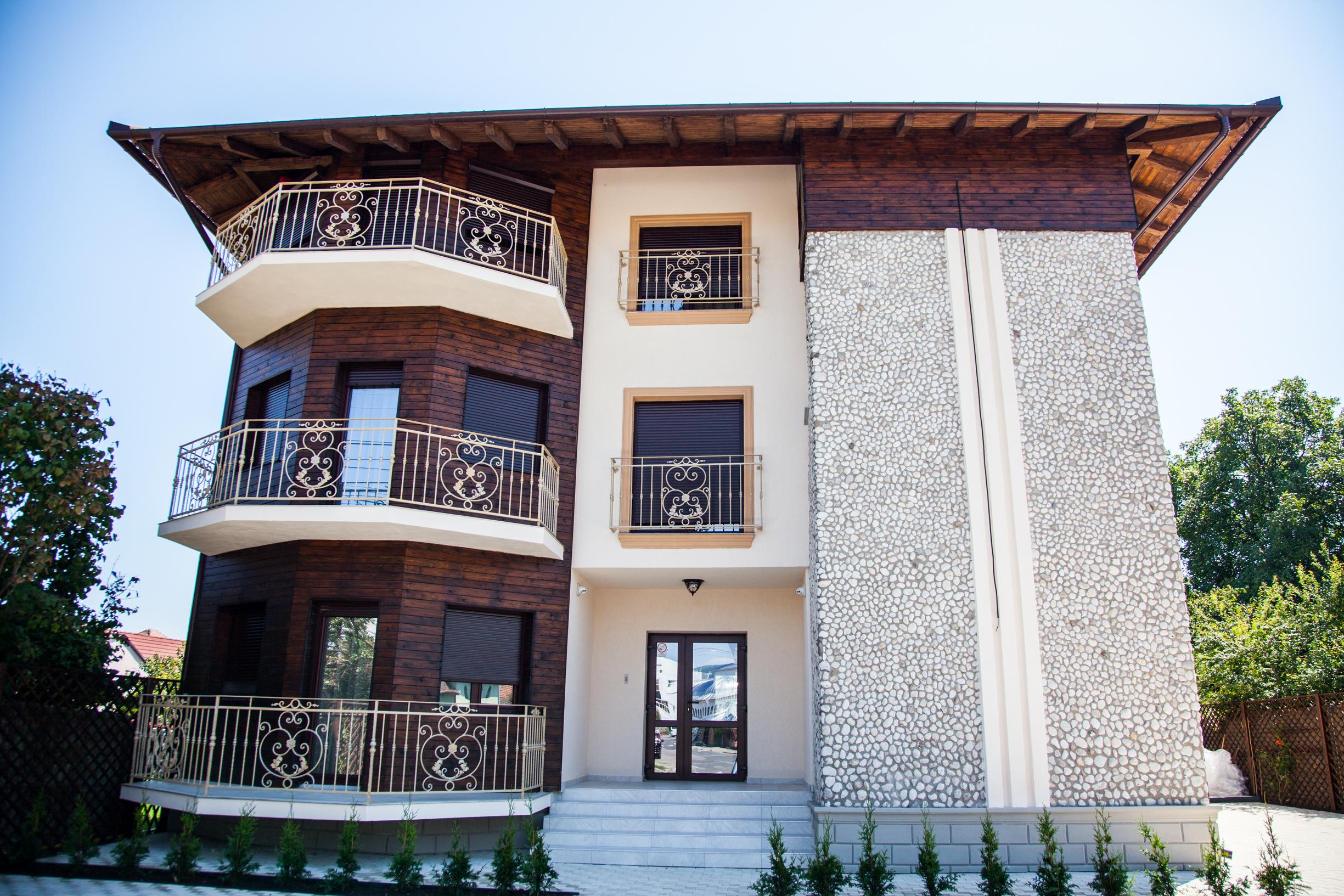 FOTO: Cea mai nouă pensiune din Alba Iulia își deschide porțile. Sunteți așteptați la Ave, Alba!