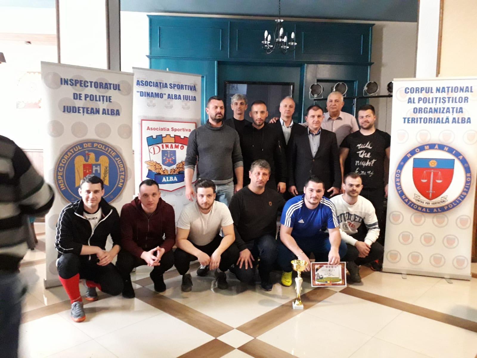 Foto: Poliţiştii de investigaţii criminale din Alba Iulia, cei mai buni fotbaliști din cadrul IPJ