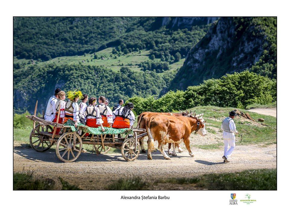 Târgul de Fete a debutat în Avram Iancu, cea mai apropiată localitate de Muntele Găina
