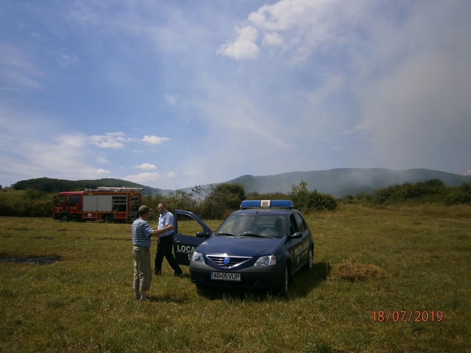 Alba Iulia: Amendă de 6000 de lei pentru un bărbat care a provocat un incendiu de vegetație