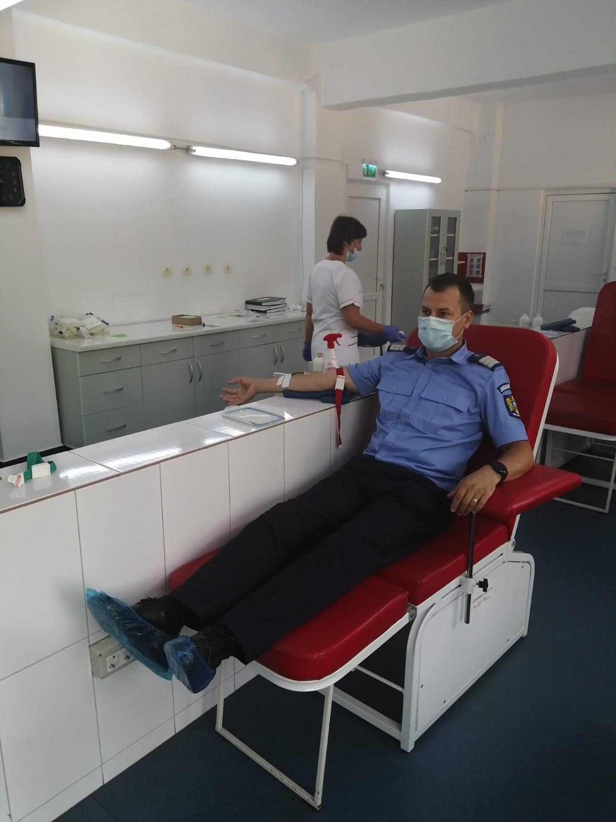 Jandarmii din Alba au donat sânge